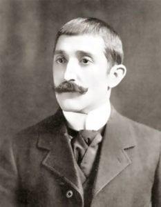 Retrato juvenil de Carlos G. García Vélez.