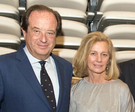 Antonio Castaño con su esposa Adela, gerente de la fundación.